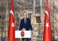 Turquía: ordenan detener un centenar de militares por intentona golpista