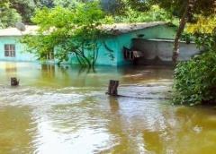 Varios pueblos inundados tras fuertes lluvias en Venezuela