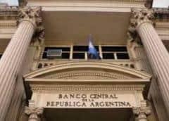 Casi en cero: la fuga de reservas pone contra las cuerdas al banco central de Argentina