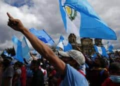 El vicepresidente de Guatemala cuestiona el exceso de fuerza contra los manifestantes
