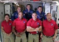 Cápsula de SpaceX acopla con Estación Espacial Internacional