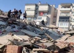 Suben a 51 las víctimas mortales por el terremoto en Turquía