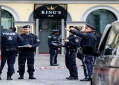 Policía busca sospechosos tras tiroteo que dejó cuatro muertos en Viena