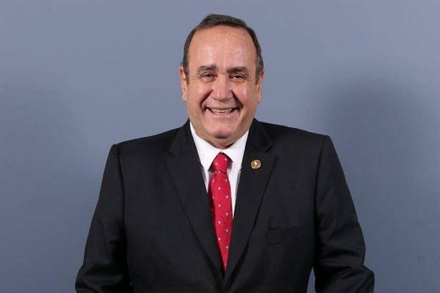 El presidente de Guatemala pide replantear los acuerdos de paz