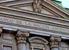 Bolsa de Argentina cae con selectividad tras feriados y atenta a FMI