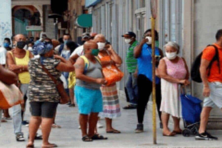 Cuba cierra 2020 con más de 3 mil pacientes en vigilancia epidemiológica por COVID-19