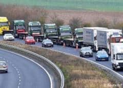 Frustración entre los miles de camioneros que siguen varados en torno a Dover