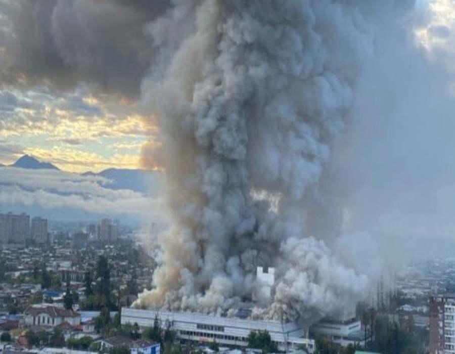 Un incendio en un hospital de Santiago de Chile obliga a evacuar a personal y pacientes