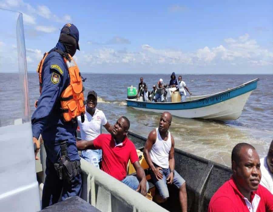 Al menos doce muertos deja naufragio de dos lanchas en el Mar Pacífico de Colombia