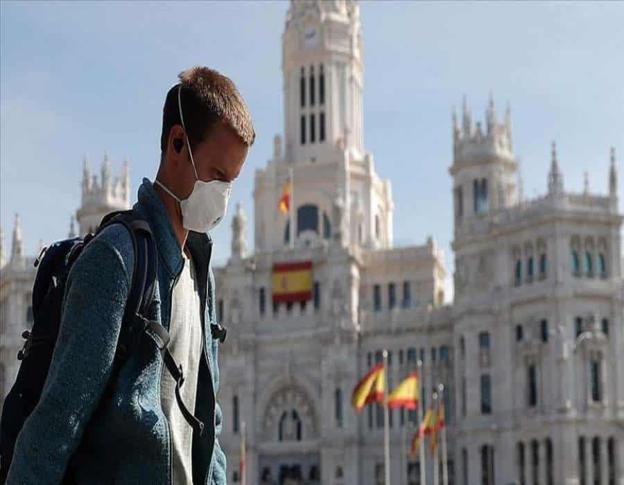 España cierra enero con el mes con el mayor número de contagios y con más de 7.200 fallecidos.