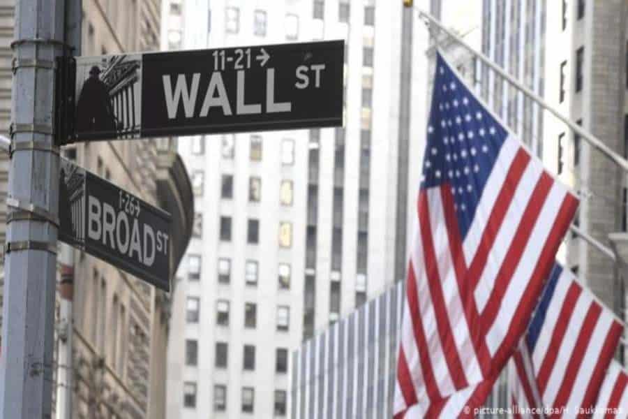 S&P 500 y Dow inician 2021 en máximos históricos por expectativas repunte económico