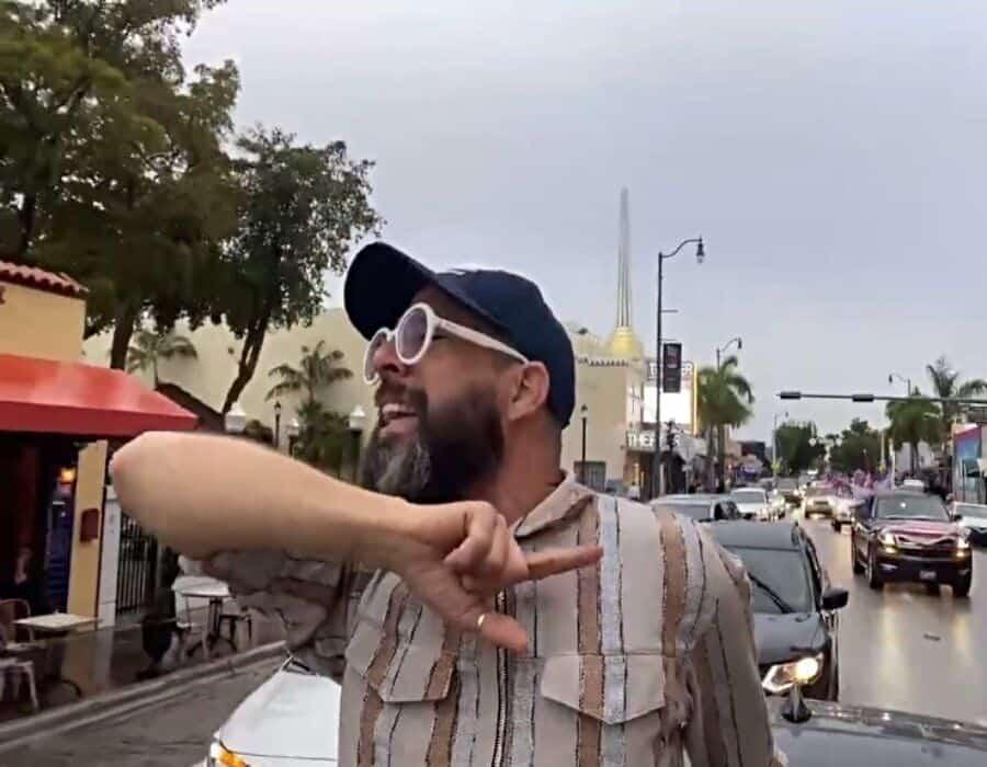 ¡Hay que joderse! Arrasa en Miami multitudinaria caravana anticomunista