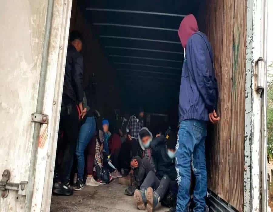 México: interceptan un camión con 108 migrantes hacinados que se dirigían a Estados Unidos