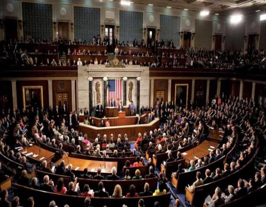 La Cámara de Representantesde EEUU aprueba plan de rescate de 1,9 billones
