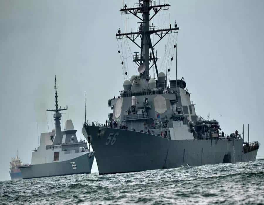 El gobierno chino afirma que ordenó a un barco de guerra estadounidense salir del mar de China