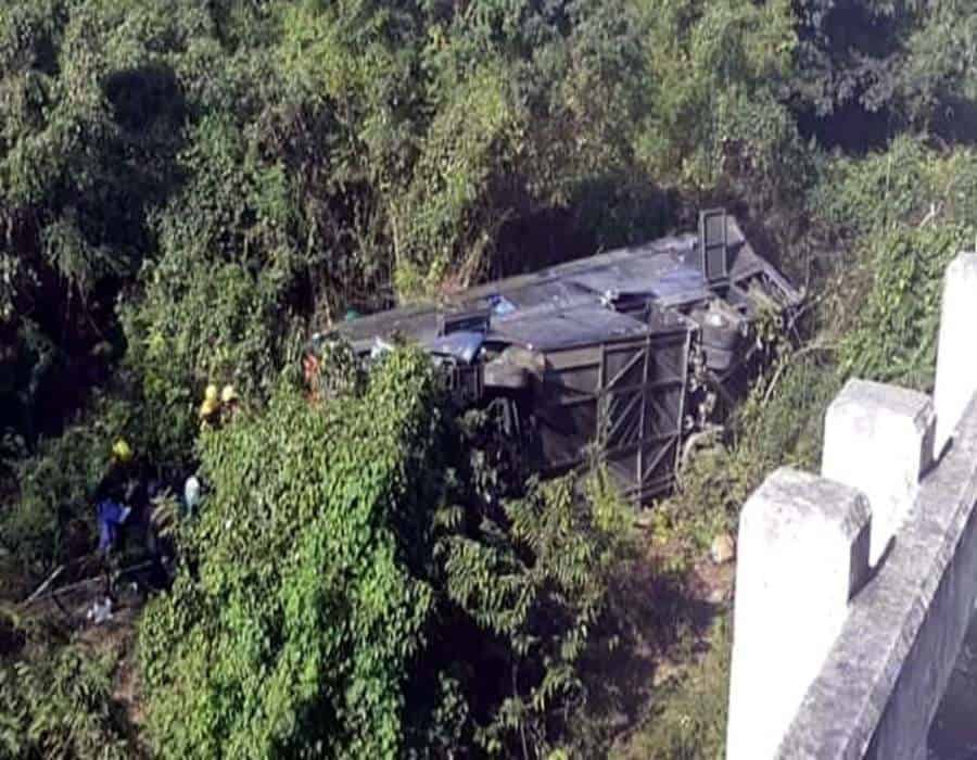 Aumenta a 12 cifra de fallecidos por accidente de autobús en Cuba
