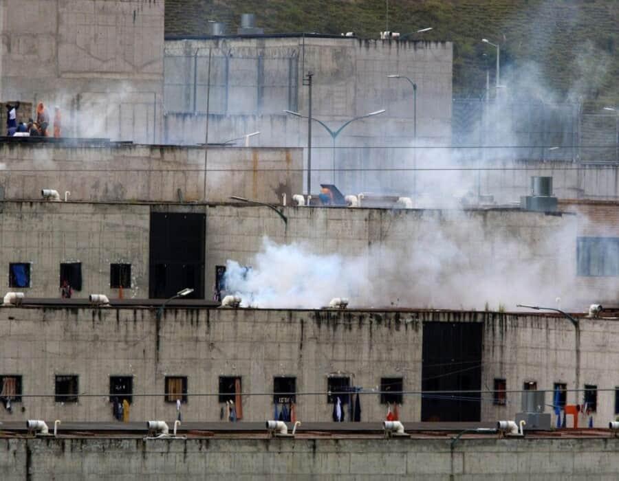 Ecuador: sube a 79 la cifra de muertos en amotinamientos