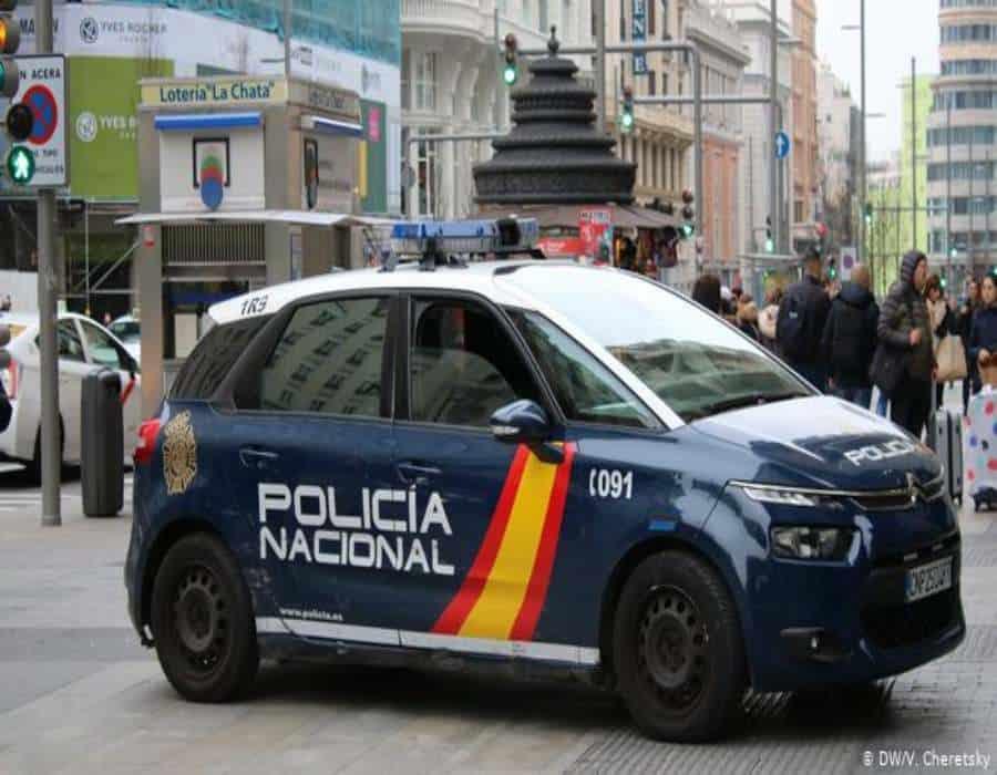 La policía española detiene a un grupo acusado de traficar drogas y migrantes en Melilla