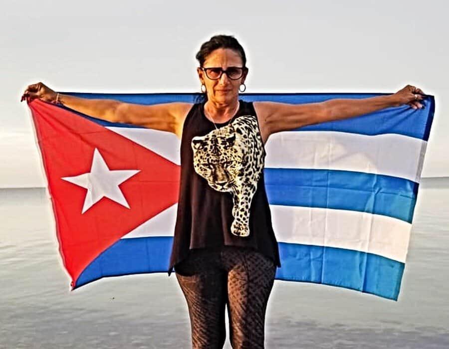 Dama de Blanco Leticia Ramos Herrería denuncia acoso policial