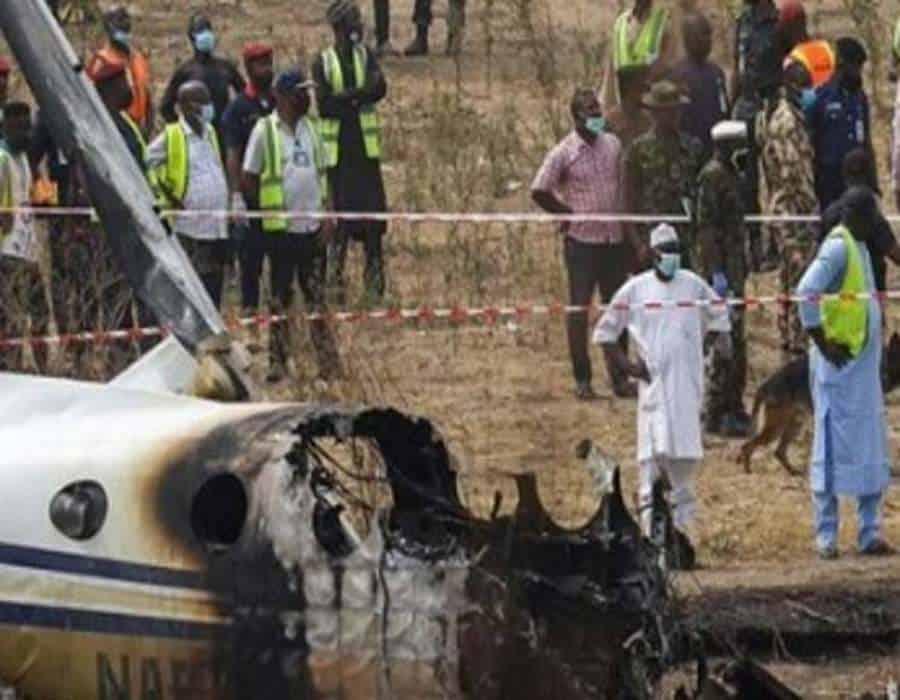 Siete muertos al estrellarse avión militar en Nigeria