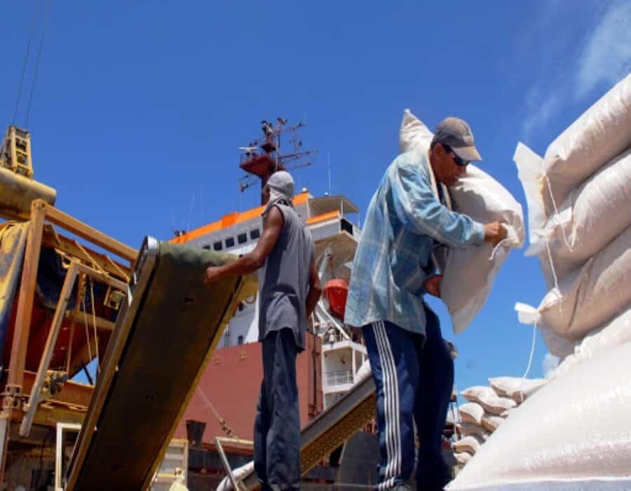 Despiden a trabajador del puerto de Cienfuegos por denunciar salario insuficiente y malas condiciones de trabajo