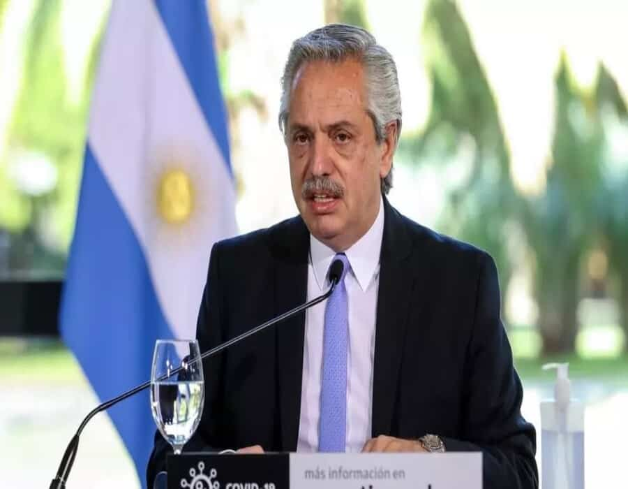 El Presidente argentino anuncia que dio positivo a covid-19 en prueba de antígenos