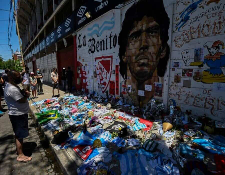Justicia argentina reconoce cinco herederos de Maradona