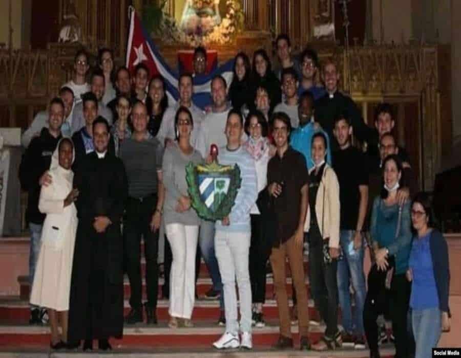 ¿Y por qué la iglesia se tiene que meter en política?: sacerdote camagüeyano responde
