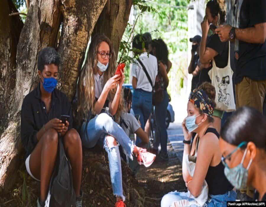 El régimen cubano promete más combate a la subversión en internet