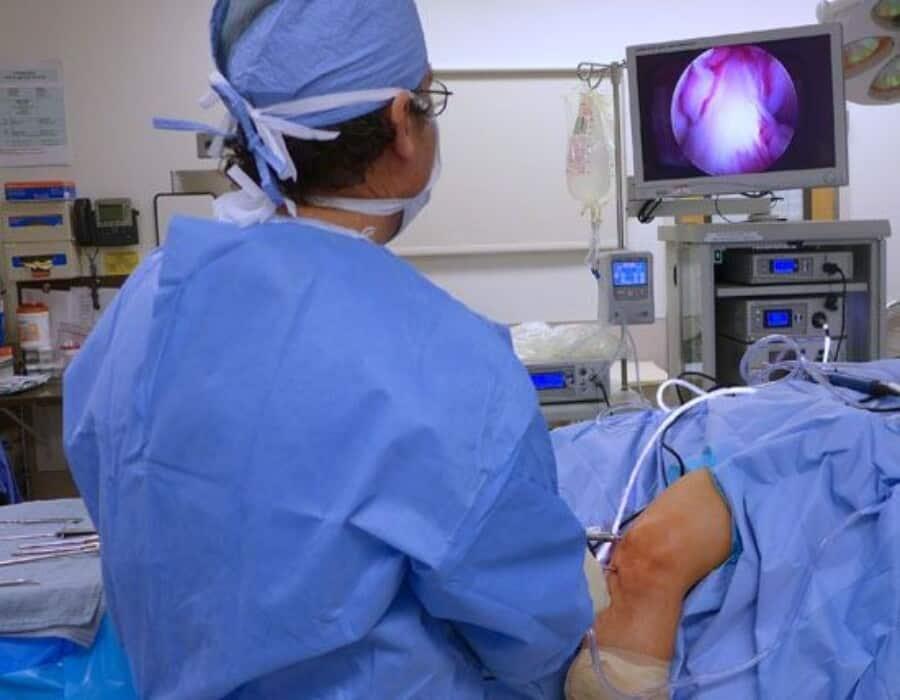 Veterano cirujano ortopédico del sur de la Florida operó la rodilla equivocada
