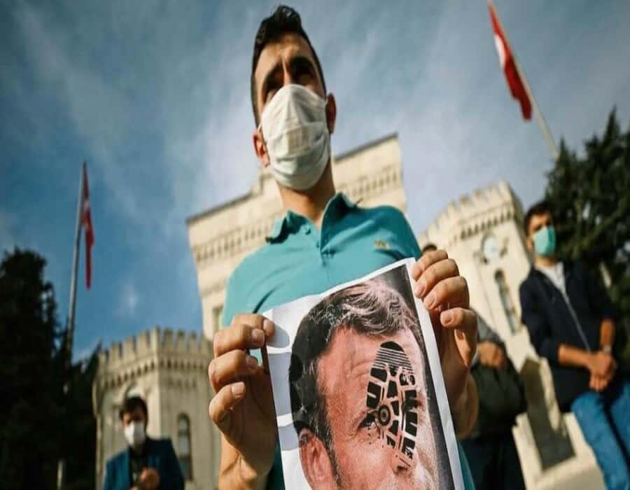 Macron acusa a Turquía de intentar interferir en las elecciones francesas de 2022