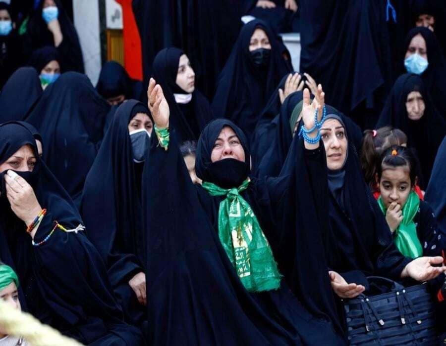 Iraquíes realizan peregrinaje islámico pese a coronavirus