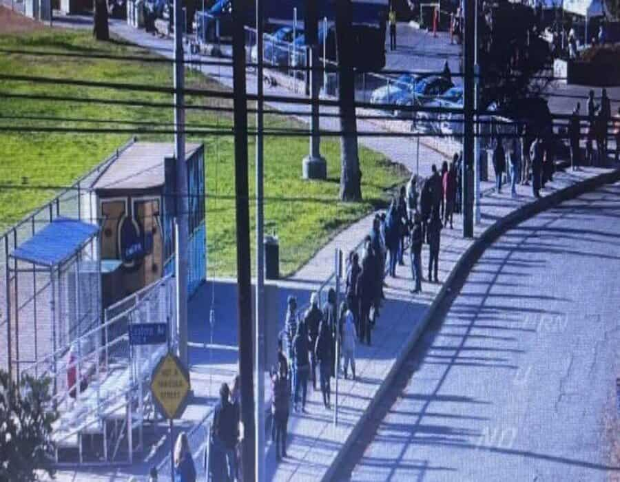 Así se saltan la fila mexicanos para vacunarse contra covid-19 en EU