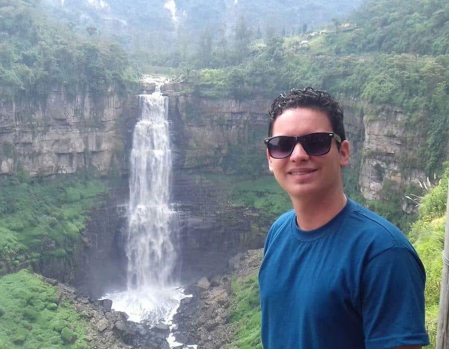 Continua acoso policial contra el periodista independiente cubano Yoe Suárez