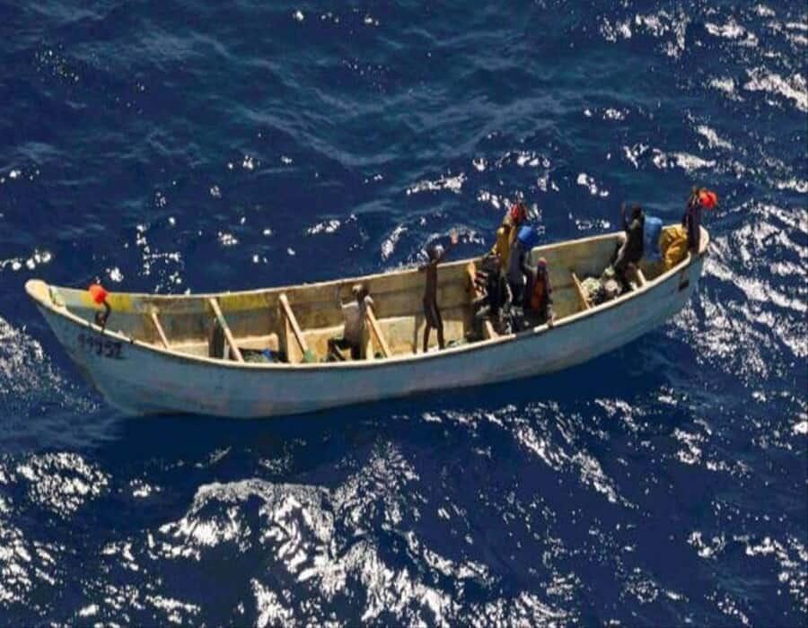Al menos cuatro muertos en un cayuco localizado al sur de El Hierro