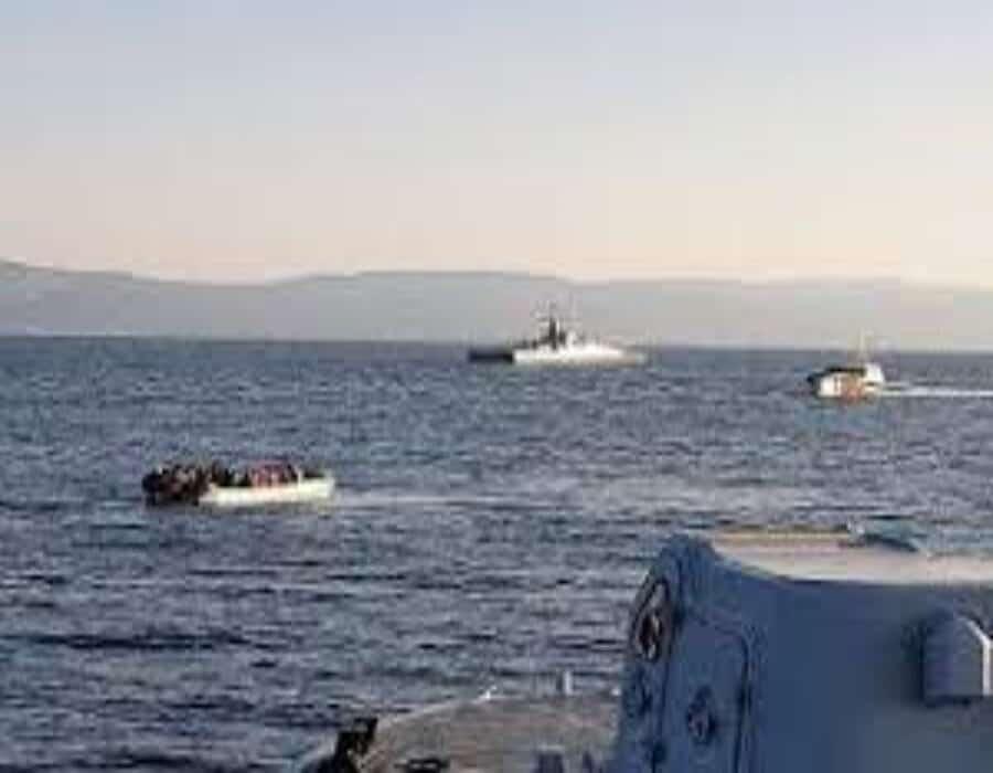 Grecia acusa a Turquía de remoar botes con migrantes hasta aguas europeas