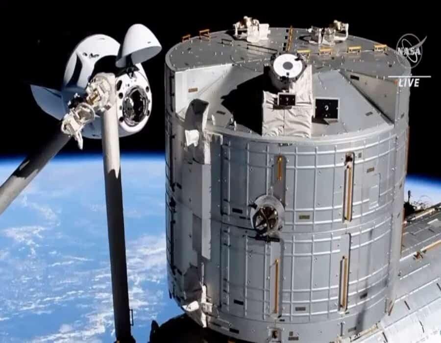 Duelo espacial: la guerra de las galaxias que enfrenta a Jeff Bezos y Elon Musk