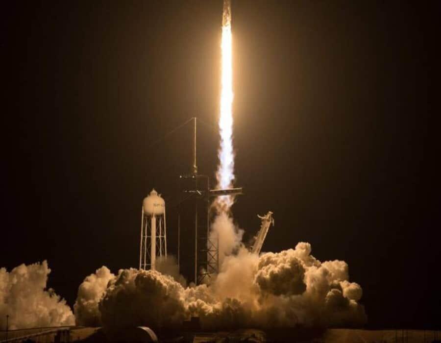 SpaceX: los 4 astronautas aficionados que partieron al espacio en una misión inspiradora