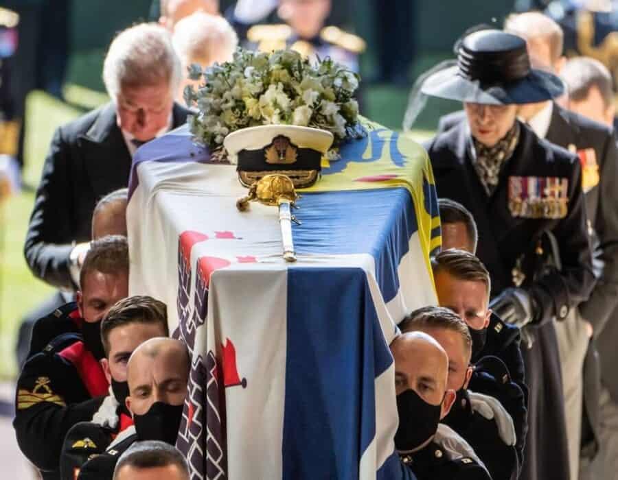 Príncipe Felipe: quiénes son las 30 personas que asistieron este sábado al funeral del esposo de la reina Isabel II