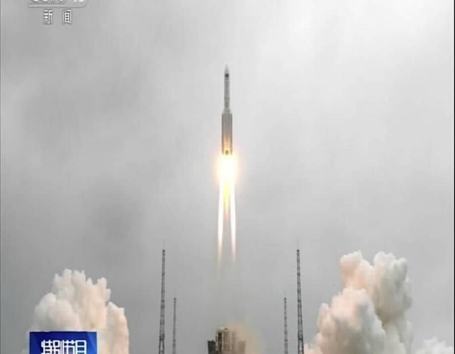 El Pentágono rastrea un cohete chino fuera de control que regresa a la Tierra