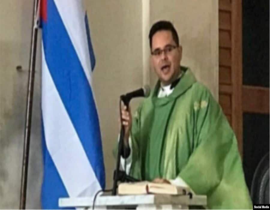 Sacerdote cubano cuestiona leyes arbitrarias y asfixia a la libertad de expresión en Cuba