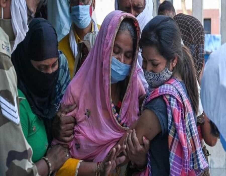 La OMS alerta de que las vacunas y terapias actuales son ineficaces frente a la variante india