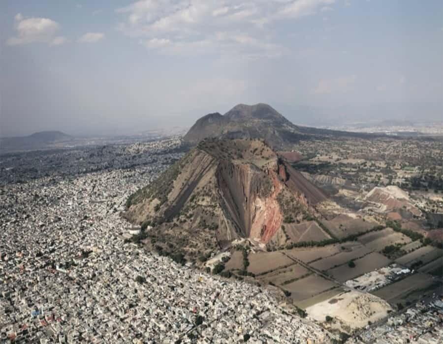 Explotación minera ha devorado la mitad del volcán inactivo de Xaltepec en Tláhuac