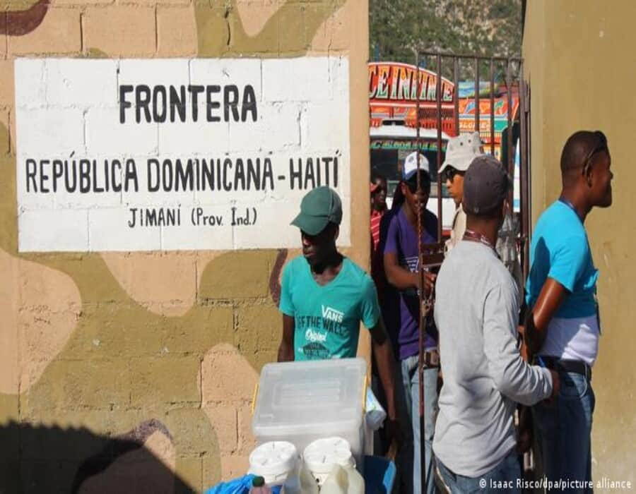 República Dominicana levanta valla de cuatro metros y alambre de cuchillas en frontera con Haití
