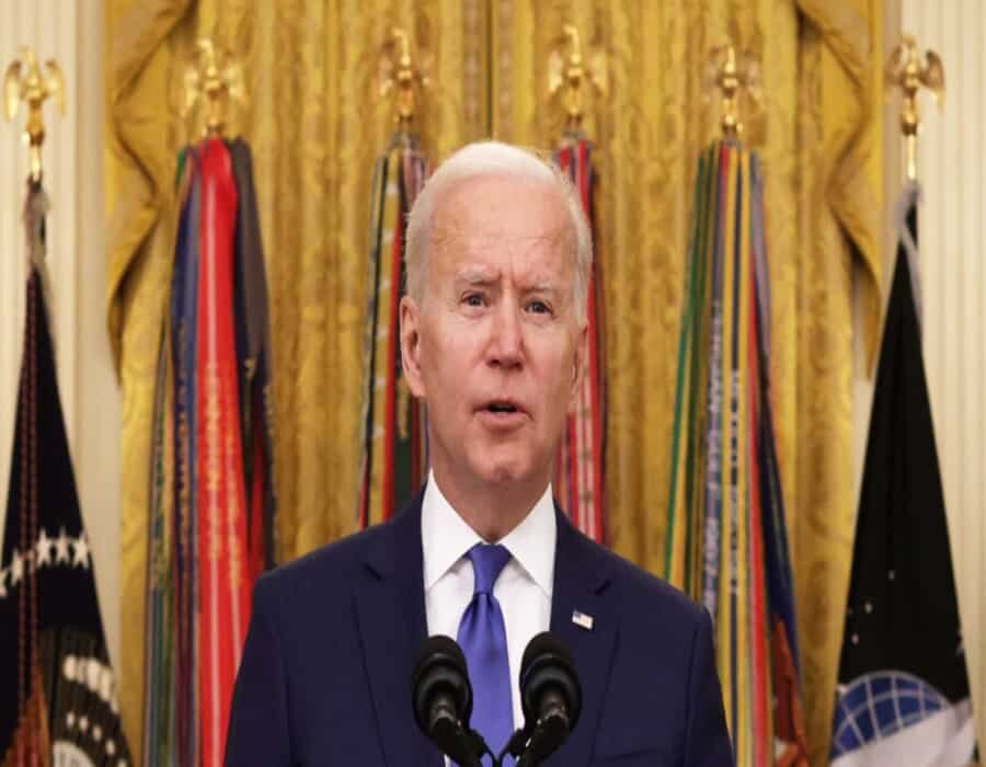 Una tarde pasmosa: traspiés ponen en peligro planes de Biden