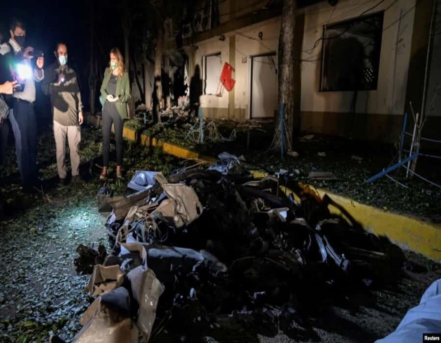 Coche bomba deja 36 heridos en unidad militar de Colombia; hipótesis apuntan al ELN y disidencias FARC