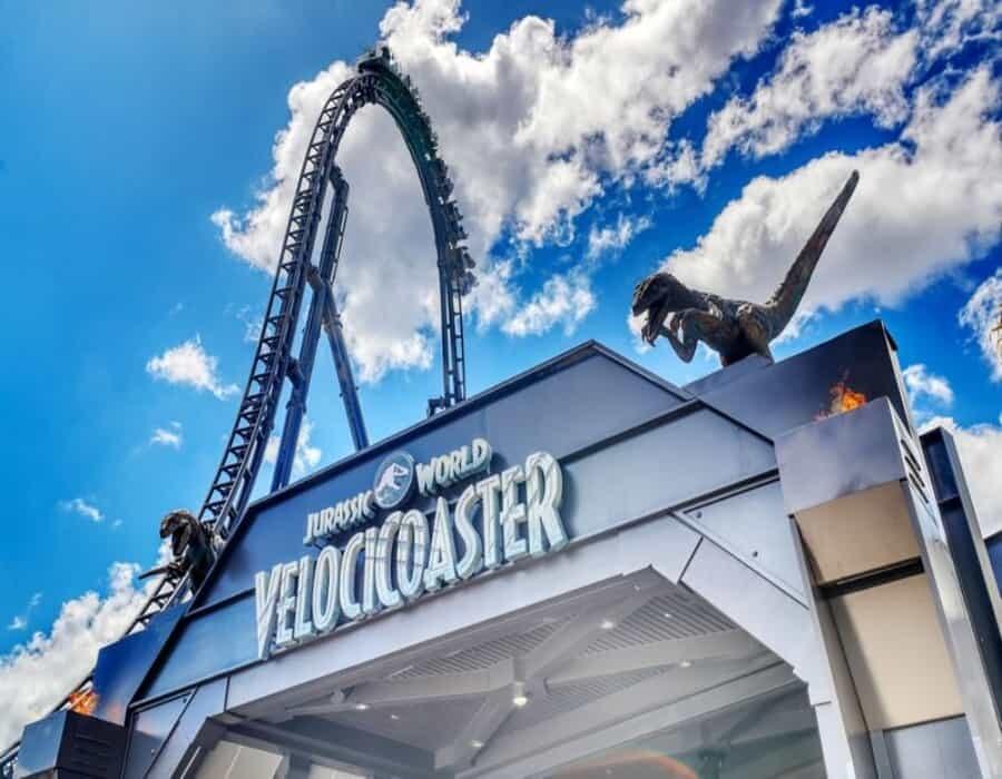 Inauguran la montaña rusa más alta de la Florida: Jurassic World VelociCoaster