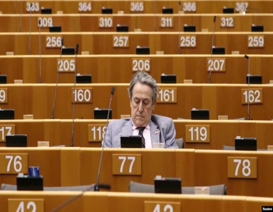Tras filtración de email, eurodiputado denuncia que PSOE actúa como chivato del régimen comunista de Cuba