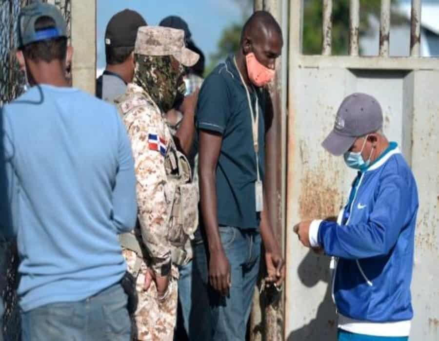Gran cantidad de haitianos acuden a Dajabón pese a que el mercado sigue cerrado