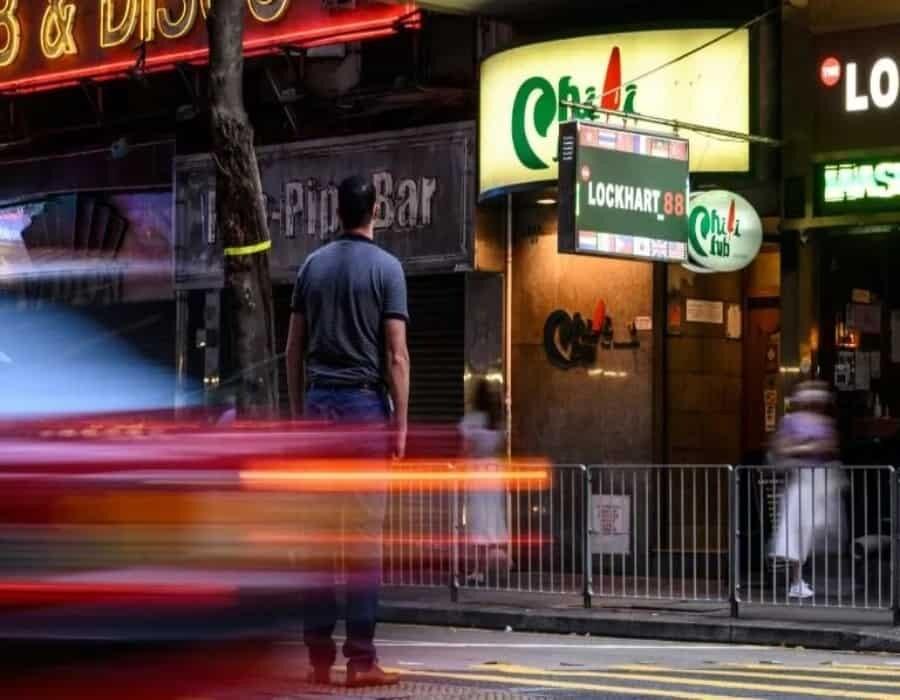 Víctimas en Hong Kong del aliento del diablo se hallan sin dinero en la cuenta